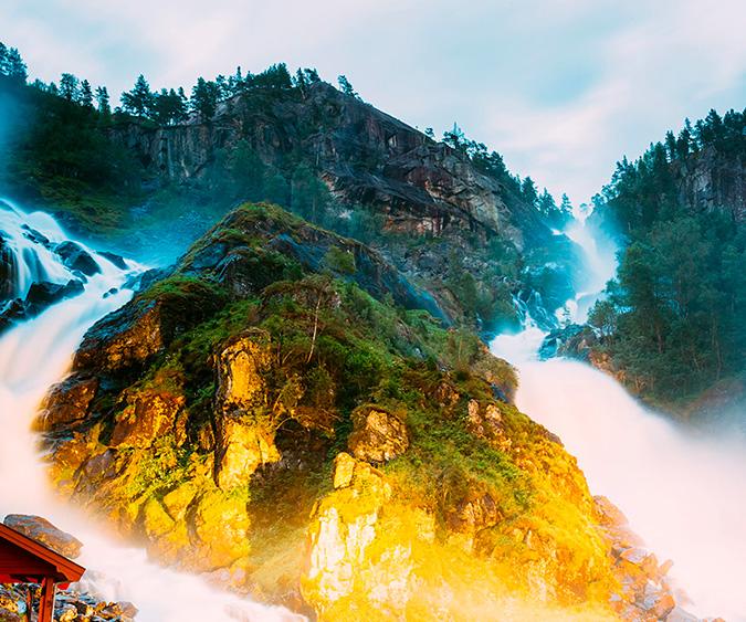 Le cascate Låtefossen, Hoddaland - Norvegia