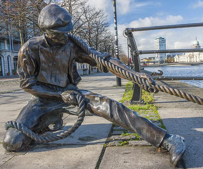 Statua a Liffery River, Dublino - Irlanda
