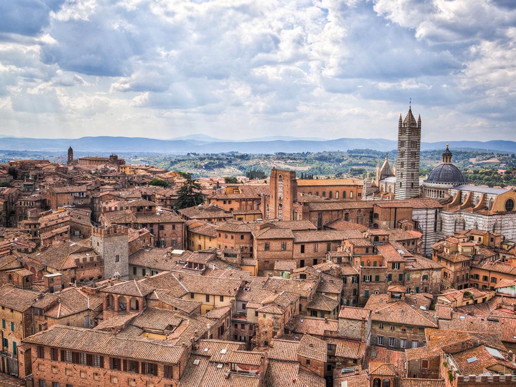 Panoramica 02 - Palio di Siena
